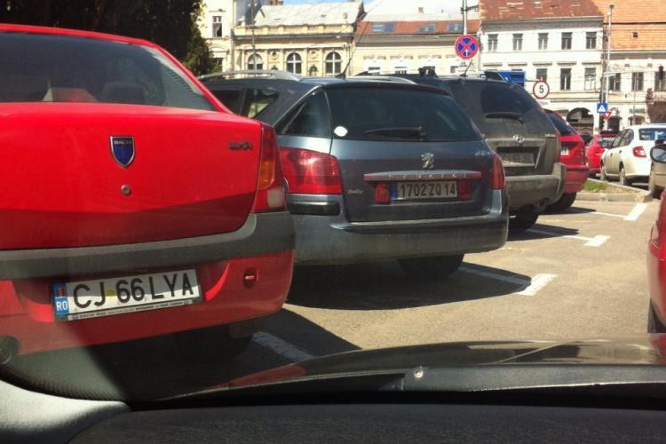 Și străinii parchează la Cluj-Napoca pe locul destinat celor cu handicap - FOTO