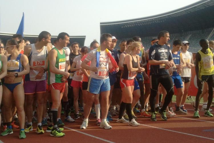 Maratonul Internaţional Cluj: Start de senzaţie într-o cursă cu 2000 de participanţi - VIDEO