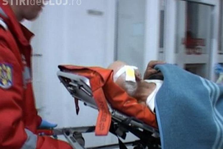Un bătrân de 80 de ani din Dej, atacat de câinii vagabonzi, a ajuns la spital - VIDEO și FOTO