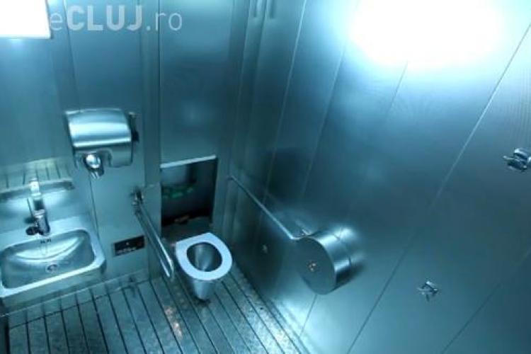 Clujenii vor în oraş WC -uri care se spală singure! Cât costă şi cum funcţionează - VIDEO