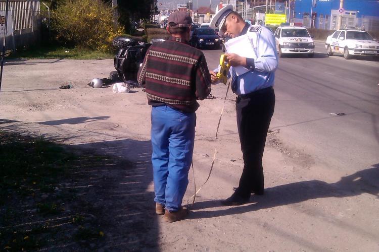 Conducătorul unui ATV s-a răsturnat pe Calea Turzii. Bărbatul e în comă din cauza unui TIR - FOTO