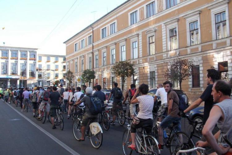 Marș al tăcerii pentru bicicliștii uciși în trafic la Cluj