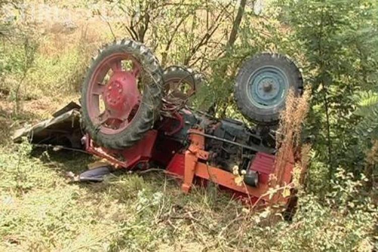 Accident grav la Măguri Răcătău! Un tânăr beat a trecut cu tractorul peste un prieten și l-a omorât