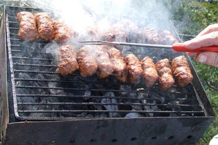Ce reguli trebuie să respecte românii când fac grătar pentru a nu fi amendați
