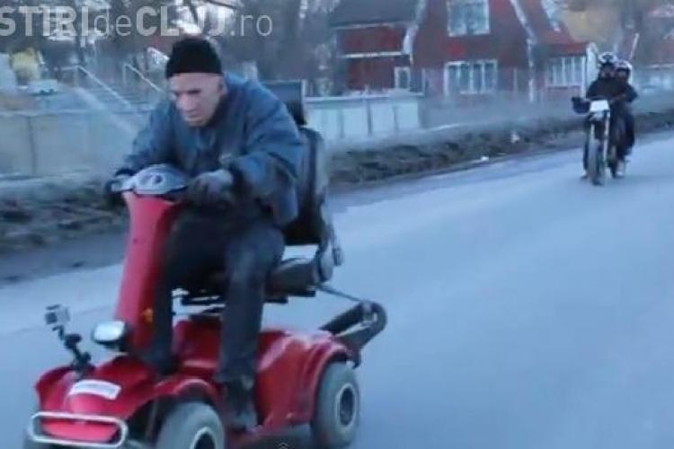 CLIPUL ZILEI: Pensionarul care face sărituri cu scuterul VIDEO