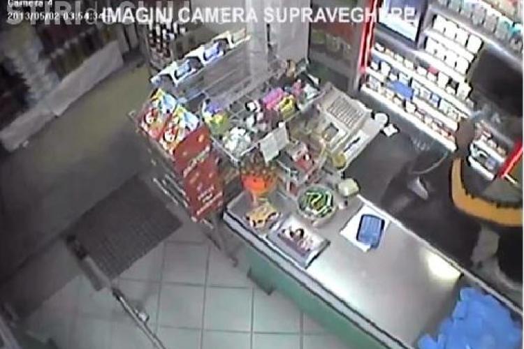 Trei hoți prinși de polițiști după ce au spart 5 magazine în Mănăștur VIDEO