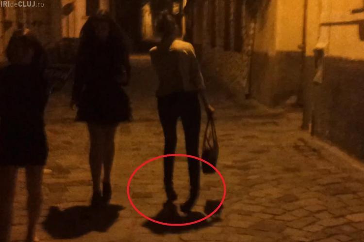 Tocurile și alcoolul! Tânără a fost filmată în centrul Clujului în timp ce abia mergea - VIDEO
