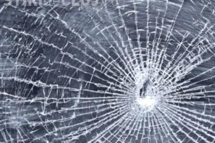 Șofer rănit în cap la Gherla de șurubul de la o roată desprinsă în mers