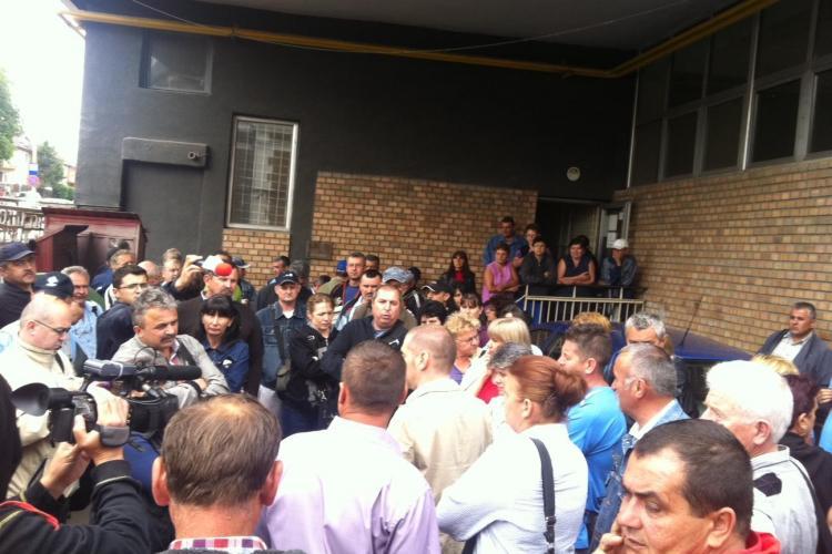 Protest la Poșta din Cluj-Napoca. Peste 200 de angajați au ieșit în stradă