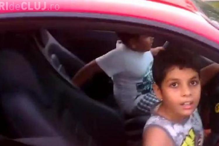 Un copil de 9 ani la volanul unui Ferrari! Tatăl lui a fost arestat - VIDEO