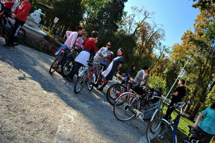 SKIRT BIKE CLUJ 2013: Biciclistele în fustă vor defila prin Cluj-Napoca