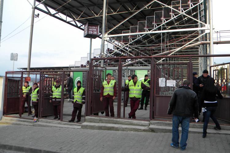 Oficiali ai U Cluj au fost bătuți de suporterii CFR Cluj