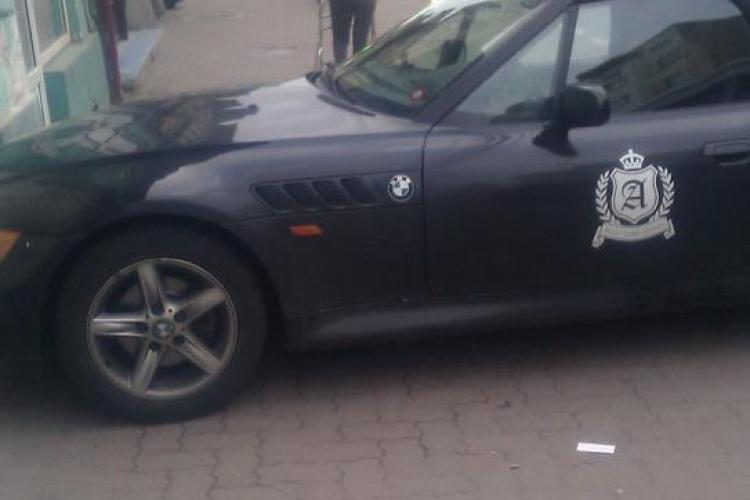 Cum a parcat o bloggeriță în Cluj: a BLOCAT complet trotuarul - FOTO