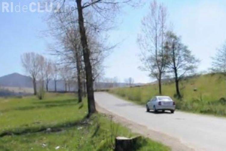 În Maramureș maşina merge singură la deal! Ce explicație au specialiștii - VIDEO