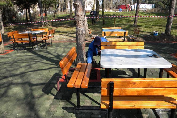 Hoții resimt criza economică: Cișmeaua din Parcul Detunata a fost furată