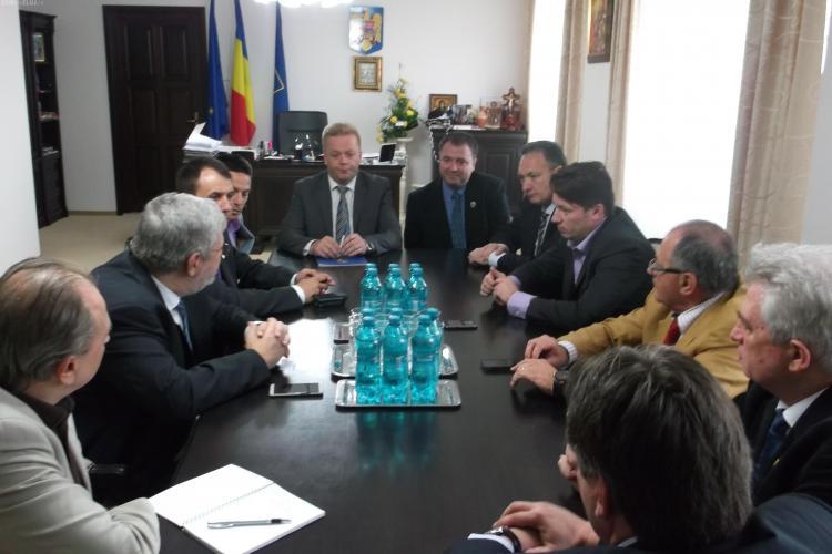 Conducerea Consiliului Judeţean Cluj s-a întâlnit cu reprezentanții Comisiei de Cultură a Senatului