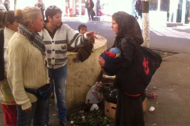 Ţigăncile s-au rupt în bătaie în Piaţa Mărăşti! Un clujean a filmat scena ORIPILANTĂ - VIDEO