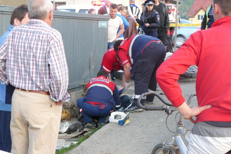 Motociclist ranit grav la Huedin