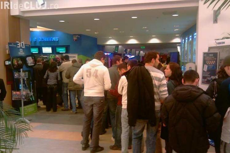 Cinema Odeon si Carrefour se inchid duminica mai repede pentru concertul Iron Maiden