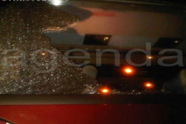 Autocarul CFR Cluj, atacat cu pietre dupa meciul cu FC Timisoara - FOTO