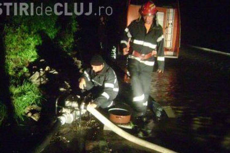 Inundatiile de pe strada Mos Ion Roata puteau fi evitate. Primarul Sorin Apostu a primit reclamatii inca din iunie, dar le-a rezolvat din pix