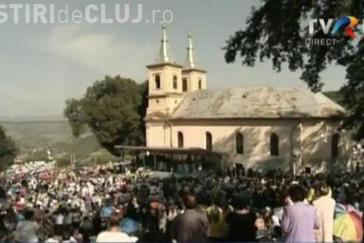 Manastirea Nicula, invaluita in cantari inchinate Maicii Domnului. 100.000 de pelerini au creat o atmosfera unica - VIDEO si FOTO