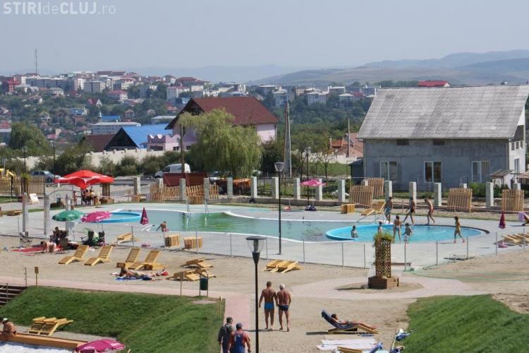 """Baile Dej sau Parcul Balnear Toroc, """"invadate"""" de turisti la fiecare sfarsit de saptamana. Vezi tarifele de intrare! - Galerie FOTO"""