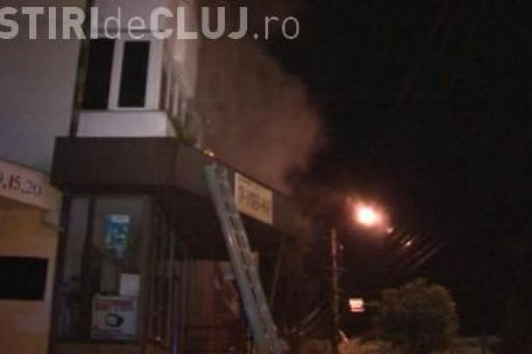 Un apartament din Dej a luat foc - VIDEO
