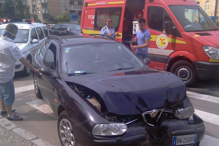 Trei masini tamponate pe B-dul Titulescu din Cluj, dupa ce soferul unei Alfa Romeo, nu a mai putut opri la o trecere de pietoni - VIDEO si FOTO
