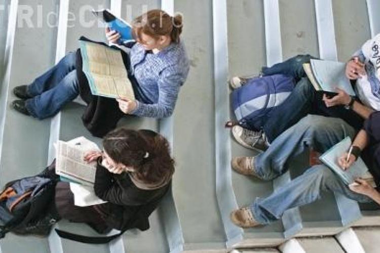 """Examenul de licenta este repetat degeaba la Universitatea """"Spiru Haret"""""""
