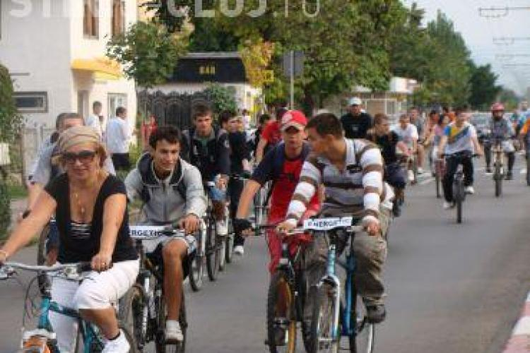 Marsul pe biciclete Cluj - Rosia Montana a luat startul azi si va dura trei zile