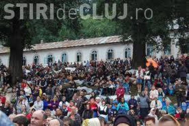 50.000 de credinciosi au ajuns deja la Manastirea Nicula, de Sfanta Maria - VIDEO