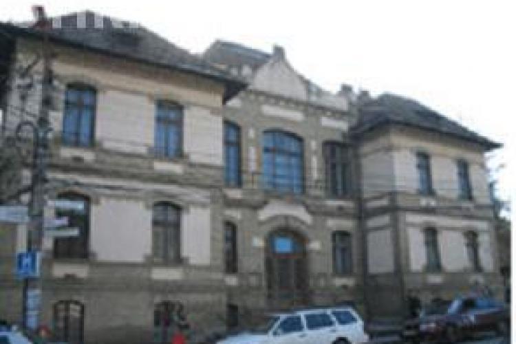 VIDEO: O femeie cu probleme psihice s-a spanzurat azi dimineata la Clinica Psihiatrie 2 din Cluj