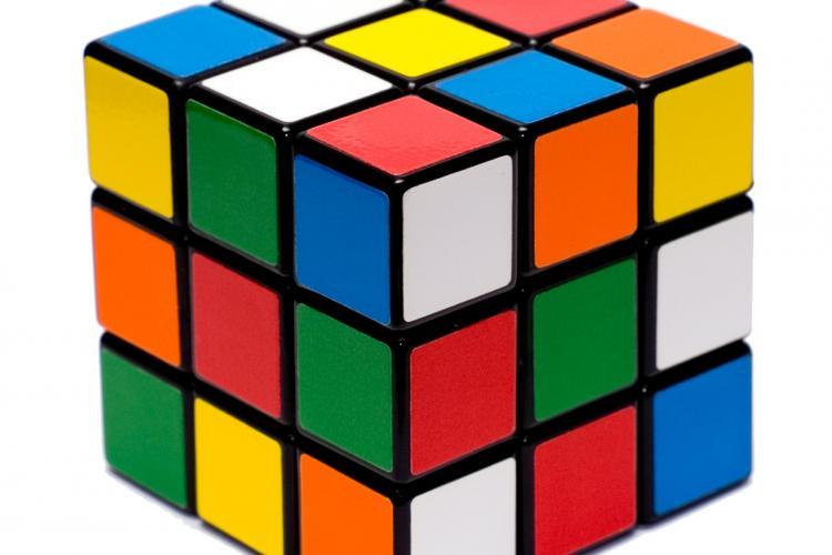 Matematicienii au stabilit : cubul Rubik poate fi rezolvat din maxim 20 de miscari
