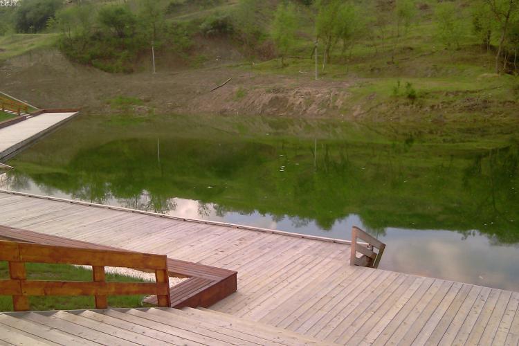 Lacul 2 de la Baile Cojocna, afectat de alunecari de teren. Investitia de 2,1 milioane de euro este inghitita de pamant