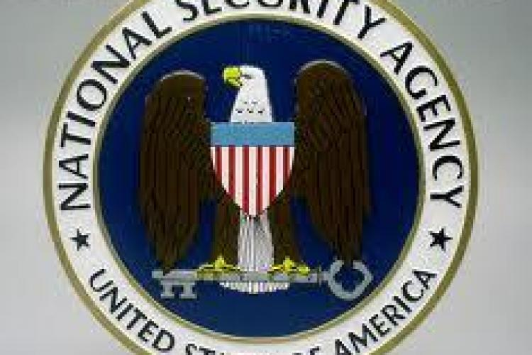 Directorul NSA: Interceptările telefonice ale cetăţenilor au oprit zeci de ameninţări teroriste