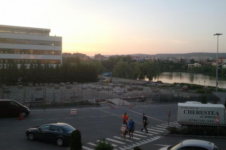 Traficul în jurul lacului Gheorgheni a fost închis pentru lucrările de amenajare a zonei - FOTO