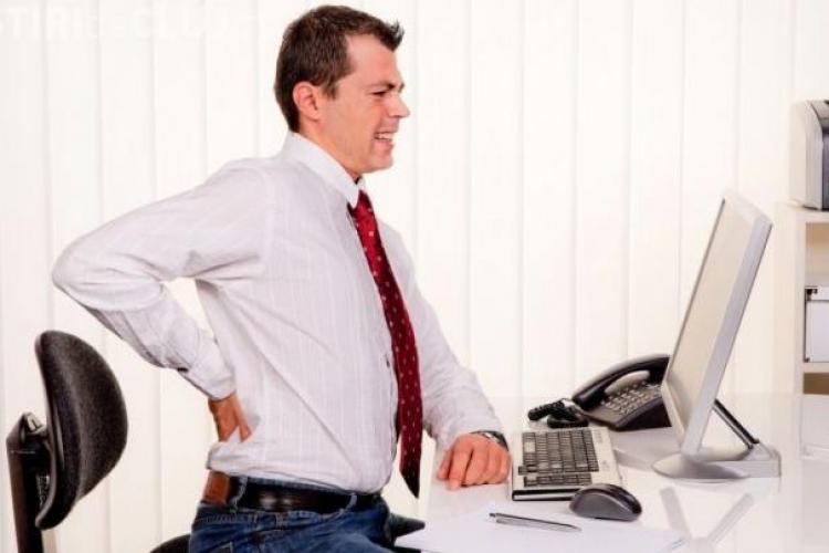 Stai mai mult de 4 ore pe scaun zilnic? Vezi cum îți este afectat organismul