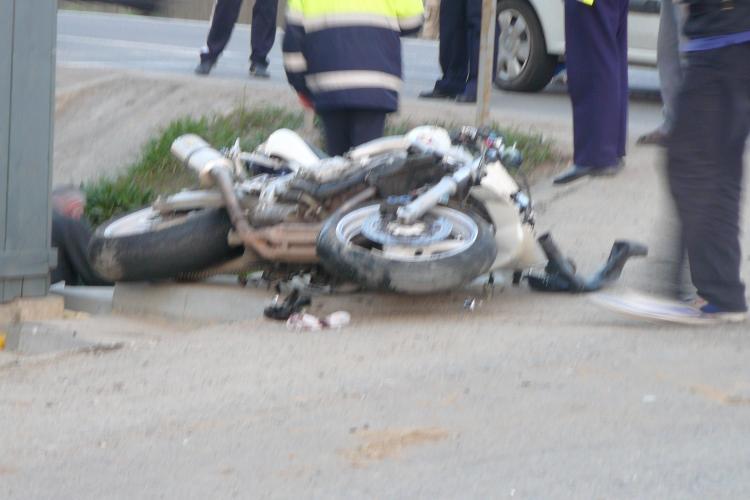 Motociclist mort la Topa Mică, într-un accident TERIBIL