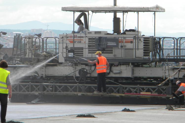Terenul expropriat la Aeroport este subevaluat. Preoții și proprietarii de teren din Someșeni susțin că au fost înșelați