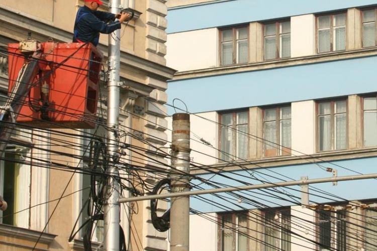 Cerul Clujului fără cabluri -  proiectul care ar urma să mute cablurile în subteran - FOTO