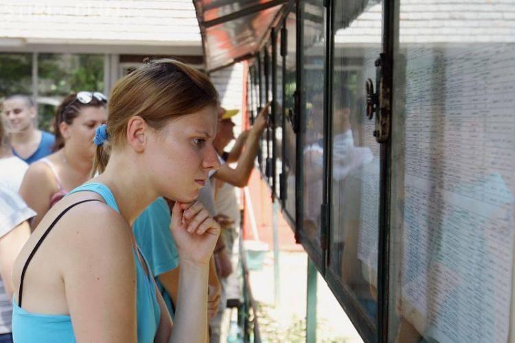 BAC 2013: Elevii care nu au luat BAC-ul pot primi îndemnizație de șomaj