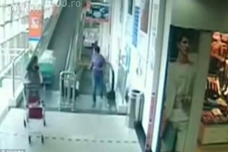 Femeie ucisă de un cărucior la SUPERMARKET - VIDEO ŞOCANT