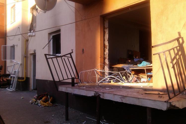 EXPLOZIE ÎN FLOREȘTI! 16 apartamente au fost afectate și 6 mașini avariate pe strada Gheorghe Doja - VIDEO și FOTO