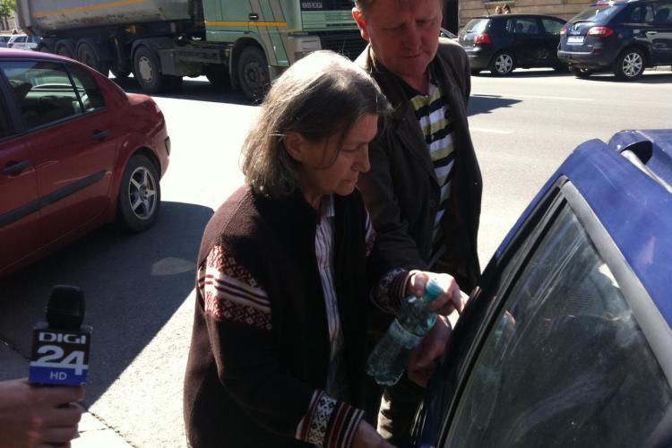 Femeia care şi-a aruncat în aer apartamentul din Floreşti a mai fost condamnată şi pentru pruncucidere