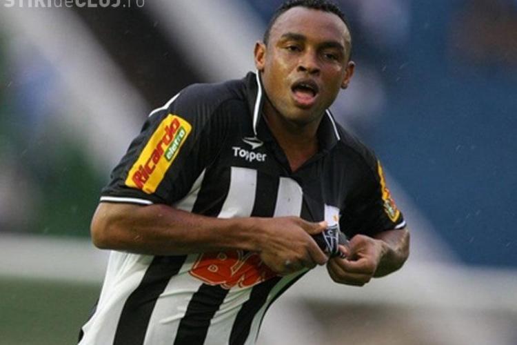CFR Cluj a adus în PROBE un atacant brazilian . Rednic a dat afară alți trei jucători - VIDEO