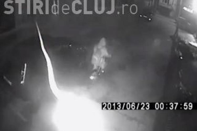 A fost prins hoțul de biciclete, filmat în timp ce fura din scara unui bloc din Cluj-Napoca