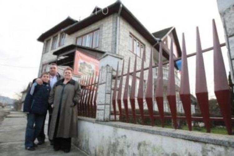 Mama fondatorului Trilulilu, Sergiu Biriș, arestată pentru un TUN de 3 milioane de euro