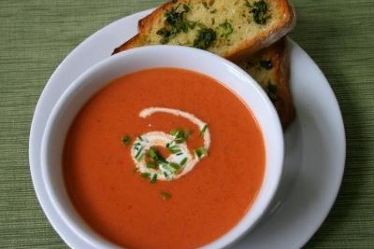 Dieta cu supe: Vezi cum poți slăbi rapid și sănătos pe timp de vară