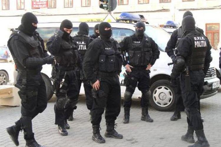 Percheziții DIICOT la Cluj în cazul unor infracțiuni informatice de peste un milion de lire